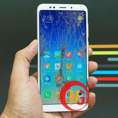 Màn hình Xiaomi Redmi 5 bể đốm
