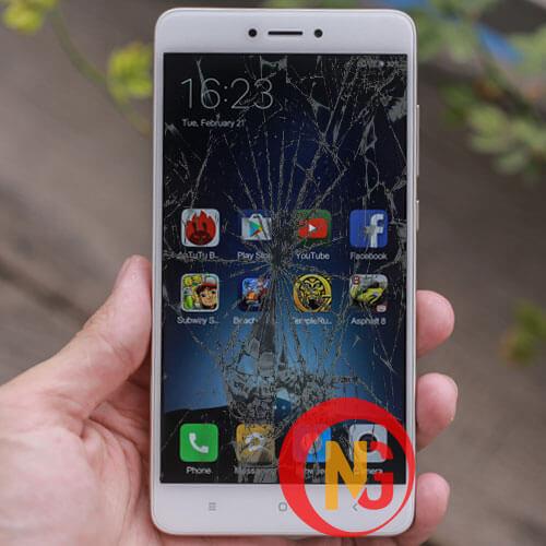 Màn hình Xiaomi Redmi Note 4, 4x bị bể đốm
