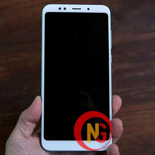 Màn hình Xiaomi Redmi 5 lúc hiển thị lúc không