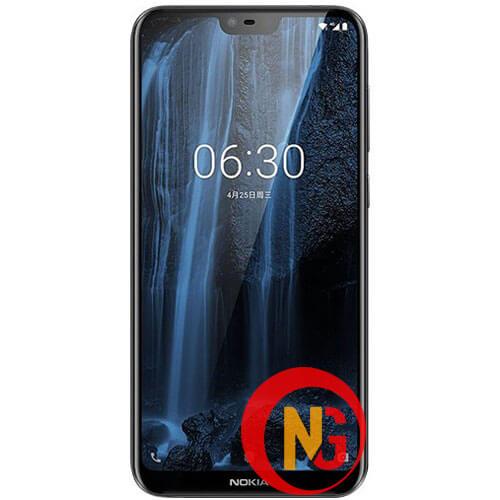 Nokia 6.1 mới thay mặt kính xong